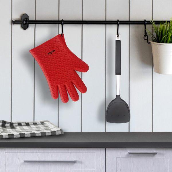 Tanica Silicone Glove and Nylon Wok Turner